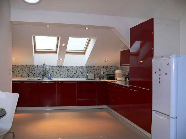 Kuchyňské linky....realizace - Podkrovní prostory