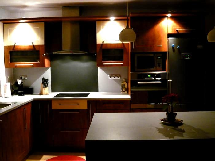 Kuchyňské linky....realizace - Atmosféra v noci