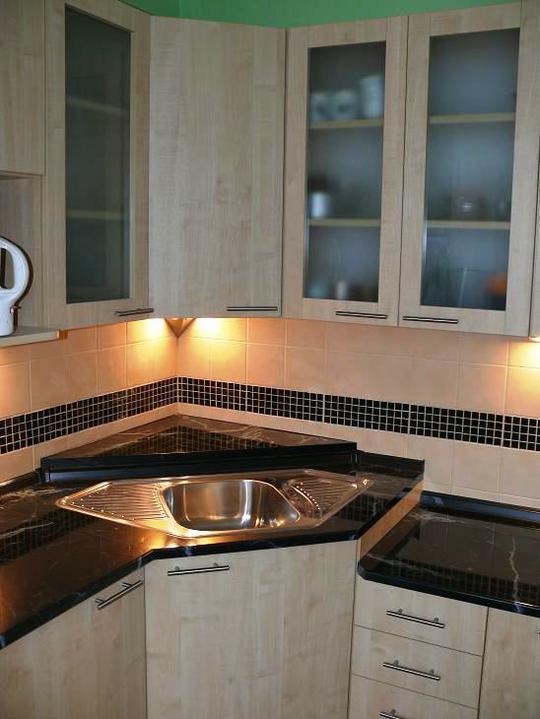 Kuchyňské linky....realizace - Řešení rohového dřezu