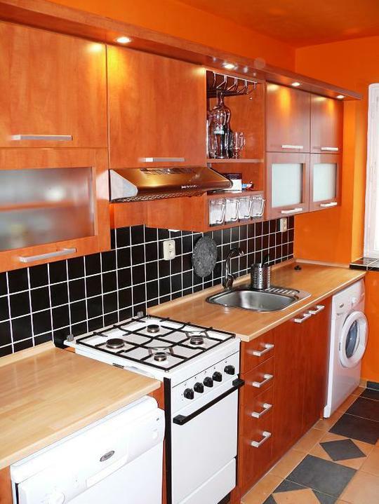 Kuchyňské linky....realizace - Vše potřebné v malém prostoru