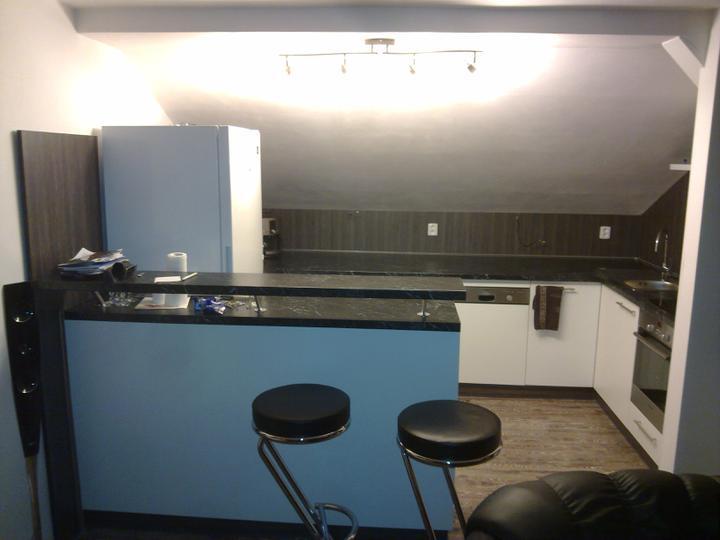 Kuchyňské linky....realizace - řešení nízkého sešikmení stropu