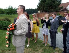 Nevěsta vychází...
