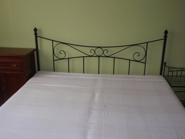 kovová posteľ - Obrázok č. 3