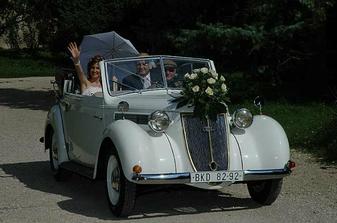 Prijezd nevesty/La sposa é arrivata!