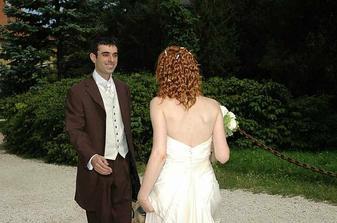 Konecne dorazil i zenich...E anche lo sposo...finalmente!
