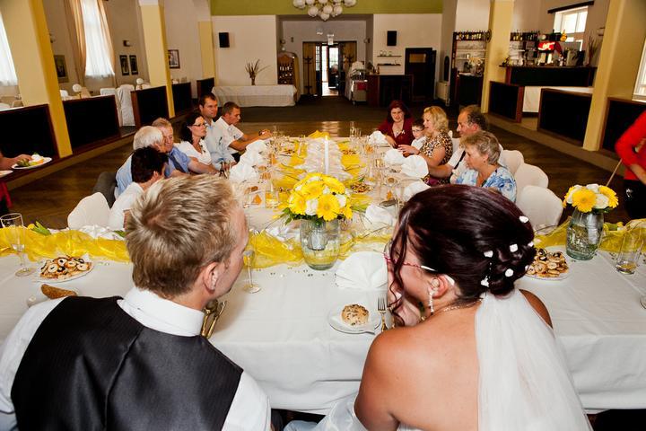 Svatební hostina  v Hotelu Svornost - Obrázek č. 23