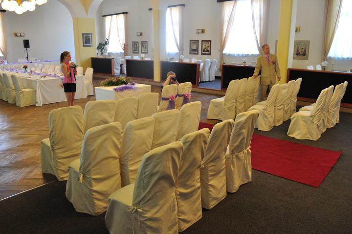 Svatební hostina  v Hotelu Svornost - Obřad sál hotelu mokrá varianta