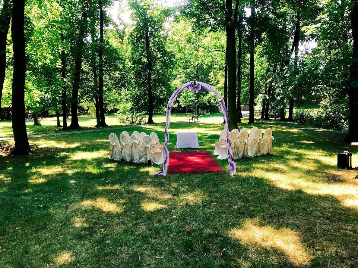 Svatba 2018 - Obřad zámecký park