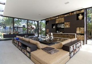 Ten prostor pro knížky je dokonalý