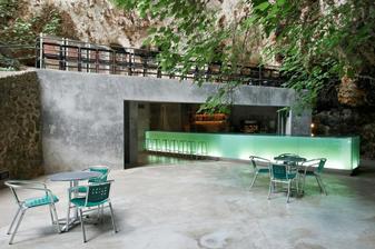 Bar v jeskyních Porto Cristo - Mallorca