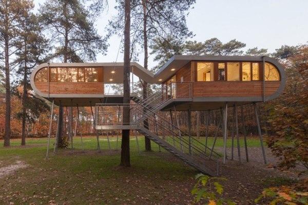 Hledám sponzora - zamilovala jsem se :-) - Kancelářská budova v Belgii - navrhl Baumraum