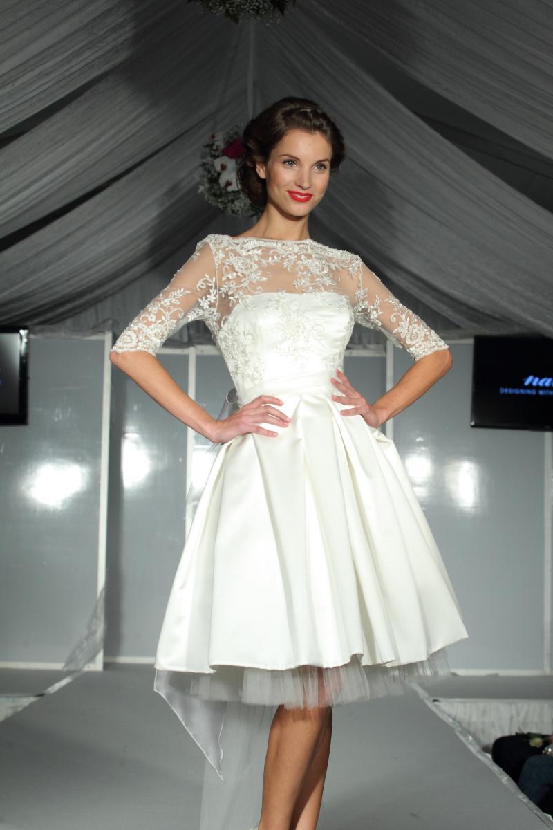 Krátké svatební šaty v půlce dubna - na venkovní s... b2df1fefbb6