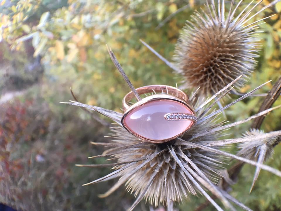 zásnuby - aj vám sa páčia nezvyčajné trocha netradičné a výnimočné prstene? ak ste taký dostali pridajte svoju fotku do komentára, rada sa pozriem :)