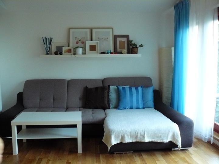 Náš domeček - Nakonec do obýváku vyhrála modrá.