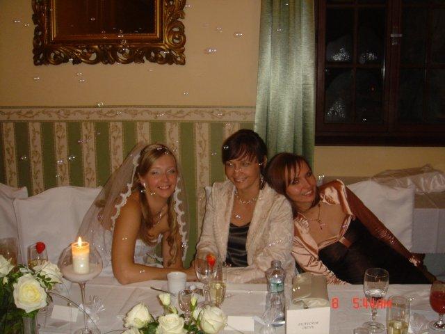 Julka{{_AND_}}Martin - s mamkou a sestričkou