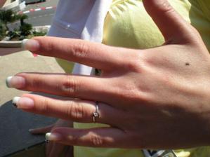 můj zásnubní prstýnek :-)))