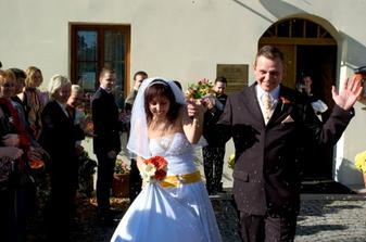 hurá do manželství .....PS: rýži jsem měla všude :-))))