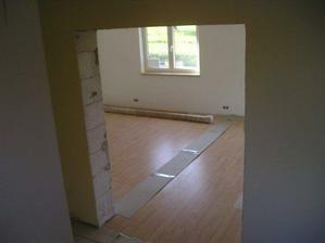 pohled do obývaků ze schodiště