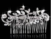 Svadobný hrebienok do vlasov https://www.svadobne-ozdoby.sk/Hrebienok-do-vlasov-2-d137.htm