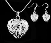 Súprava šperkov (náušnice a náhrdelník) ,