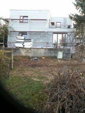 Pohled ze zahrady, terénní úpravy ještě chvilku potrvají....