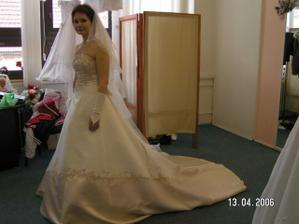 ..přesně pro svatbu na hradě.