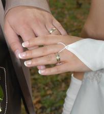 Naše snubní prstýnky.