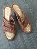 Pantofle na klínku, 38