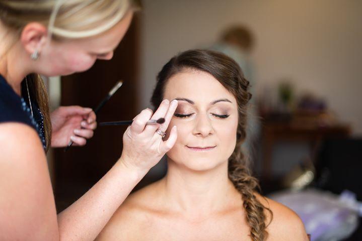 majasfancy - Svatební líčení a účes pro nevěstu