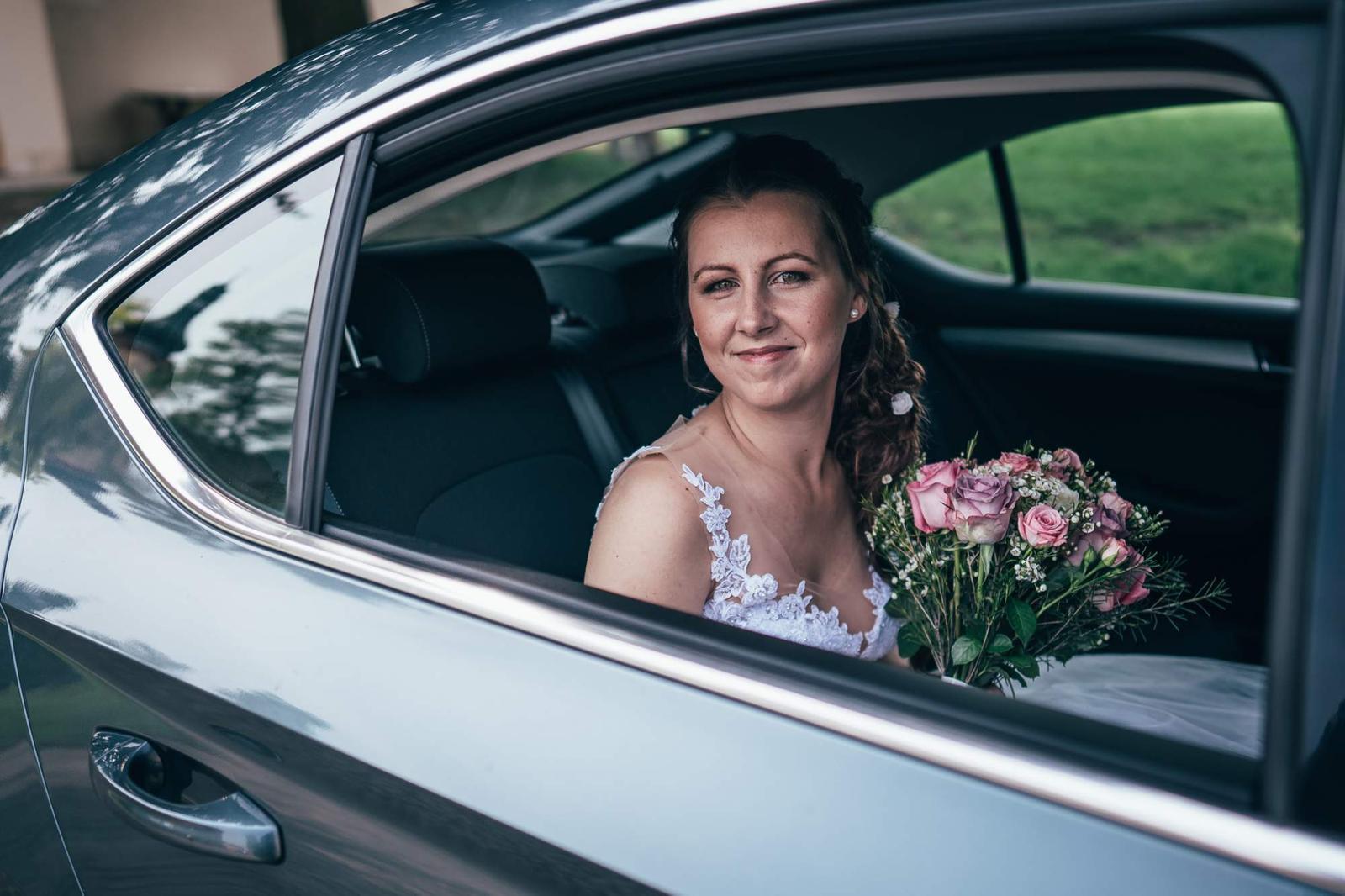 Svatební účesy a líčení - Rezervace 2020 - Obrázek č. 1
