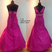 Výprodejové plesové šaty č. 26 (Vel. 38-40), 38