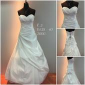 Svatební šaty č. 3, 38