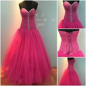 Výprodejové plesové šaty č. 13, 38