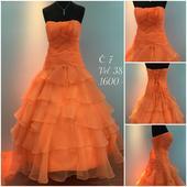 Výprodejové plesové šaty č. 7, 38