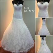Svatební šaty č.10, 42