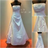Svatební šaty č.19, 40