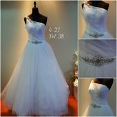 Svatební šaty č. 21, 38