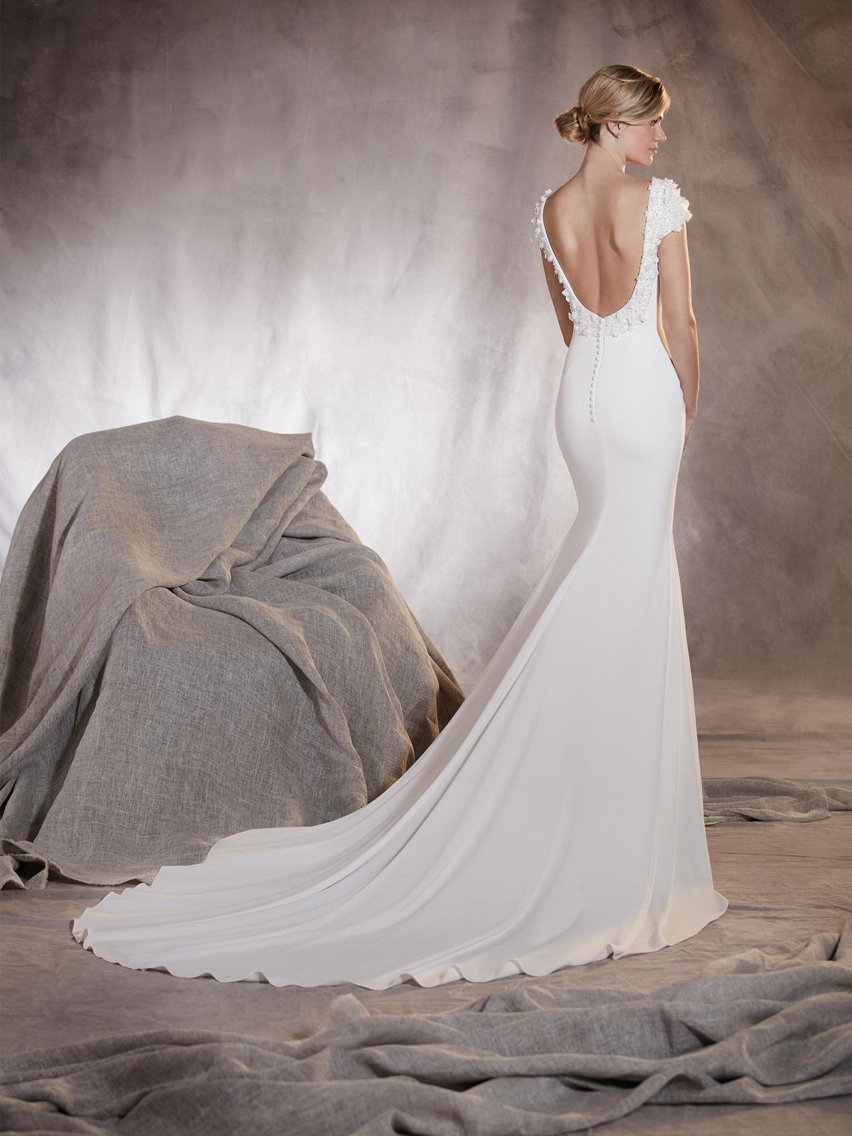 b9c8e6907cb9 Svadobné šaty pre štíhlu nevestu po štyridsiatke -... - str. 2