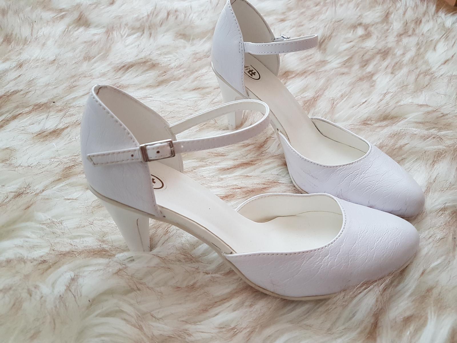 Snehobiele topánky  - Obrázok č. 1