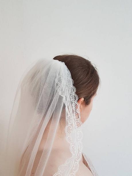 Jemný svadobný závoj ivory s čipkou - Obrázok č. 1