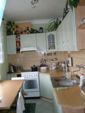 Kuchyň..malá,ale naše