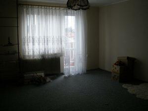 Obývák vystěhovaný a připravený k úpravám:-)