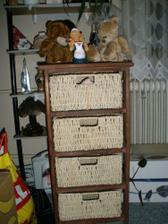Můj první kousek nábytku:-)