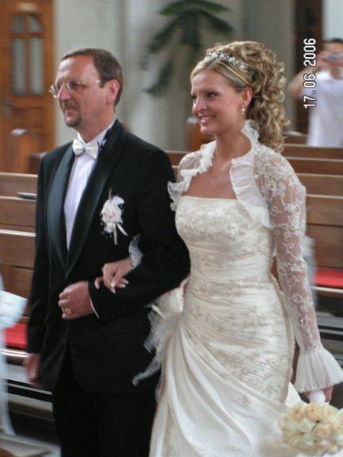 Prípravy na našu svadbu 16.9.2006 :o) - skvelý účes
