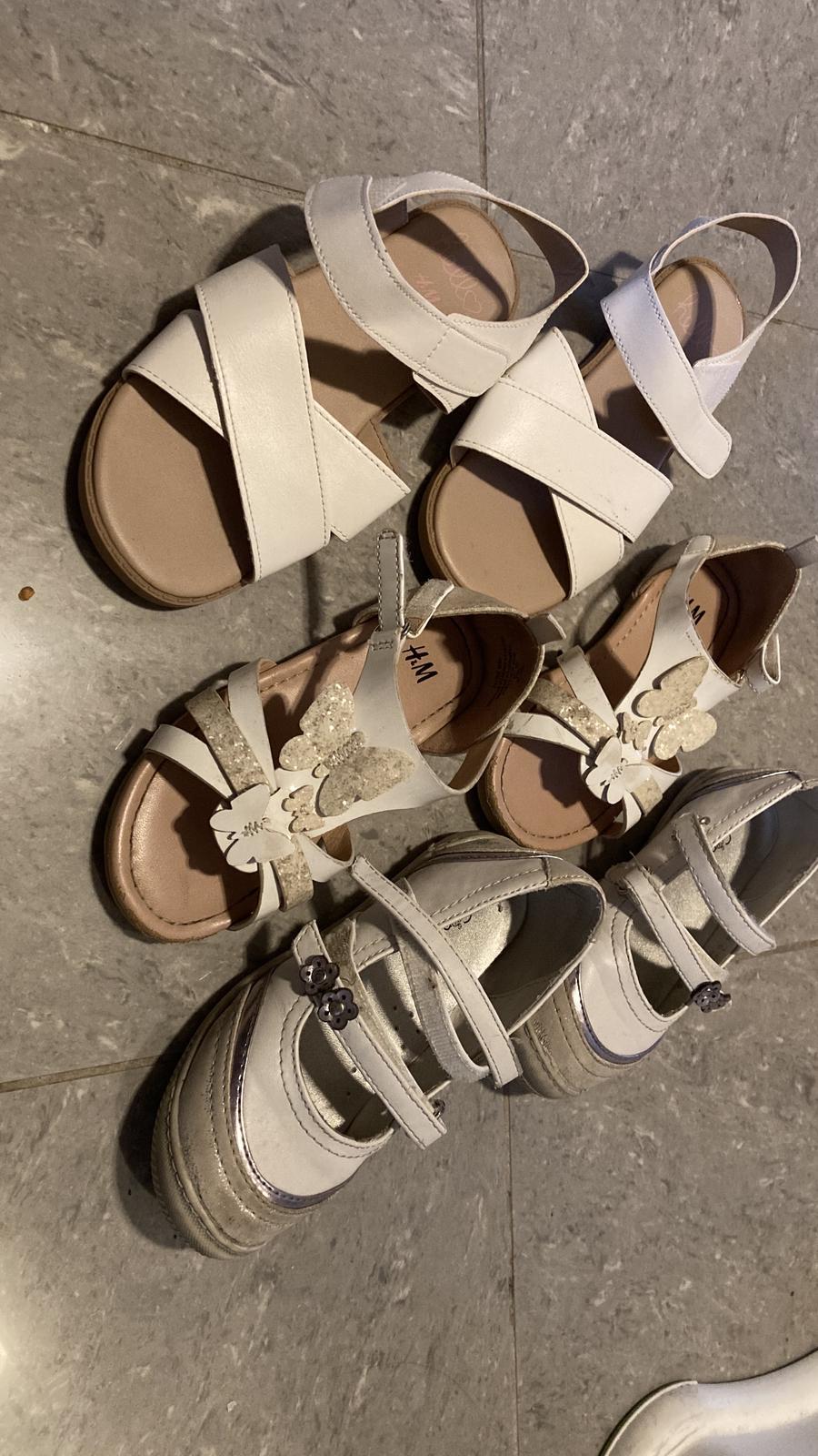 boty vel 26 a vel 32 - Obrázek č. 1