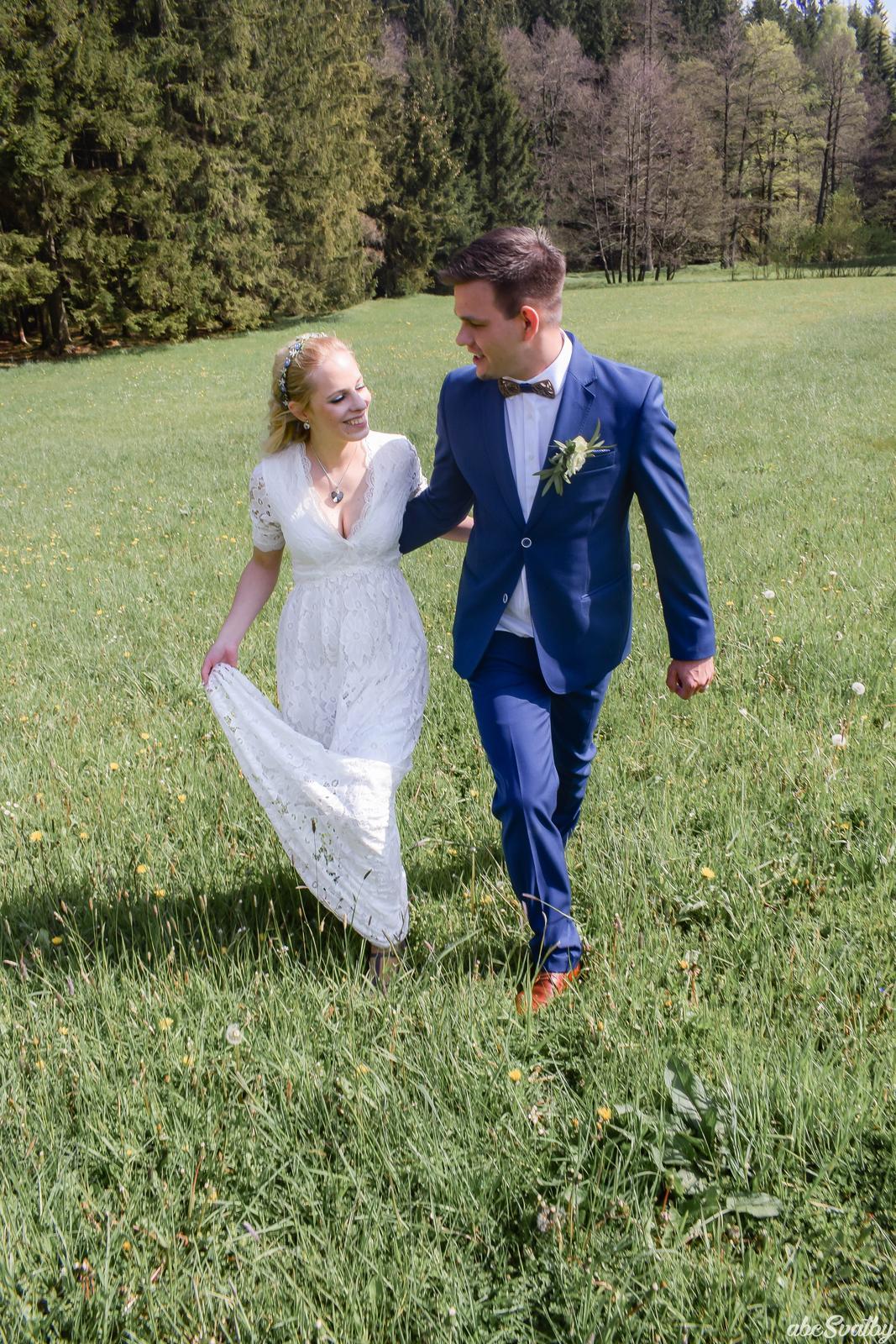 Svatební šaty - Obrázek č. 3