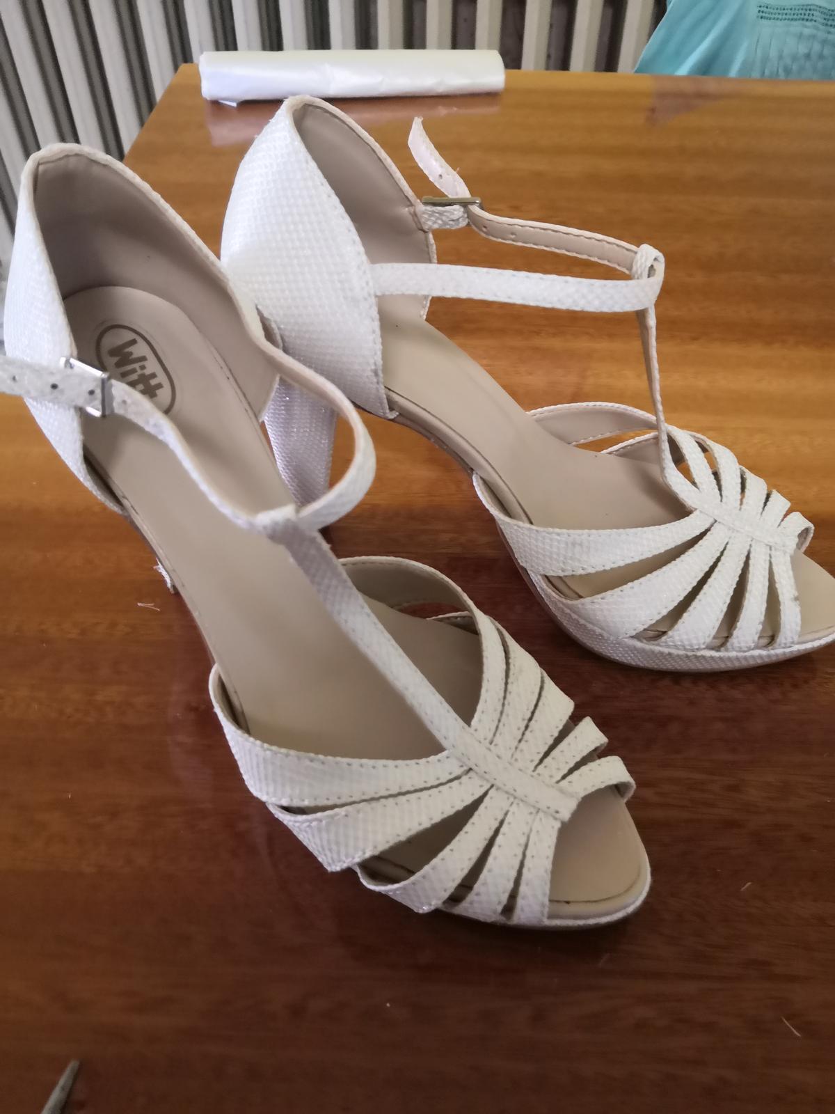 Svadobné sandálky - Obrázok č. 1