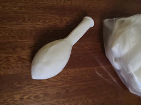 Biele latexové balony - Obrázok č. 1