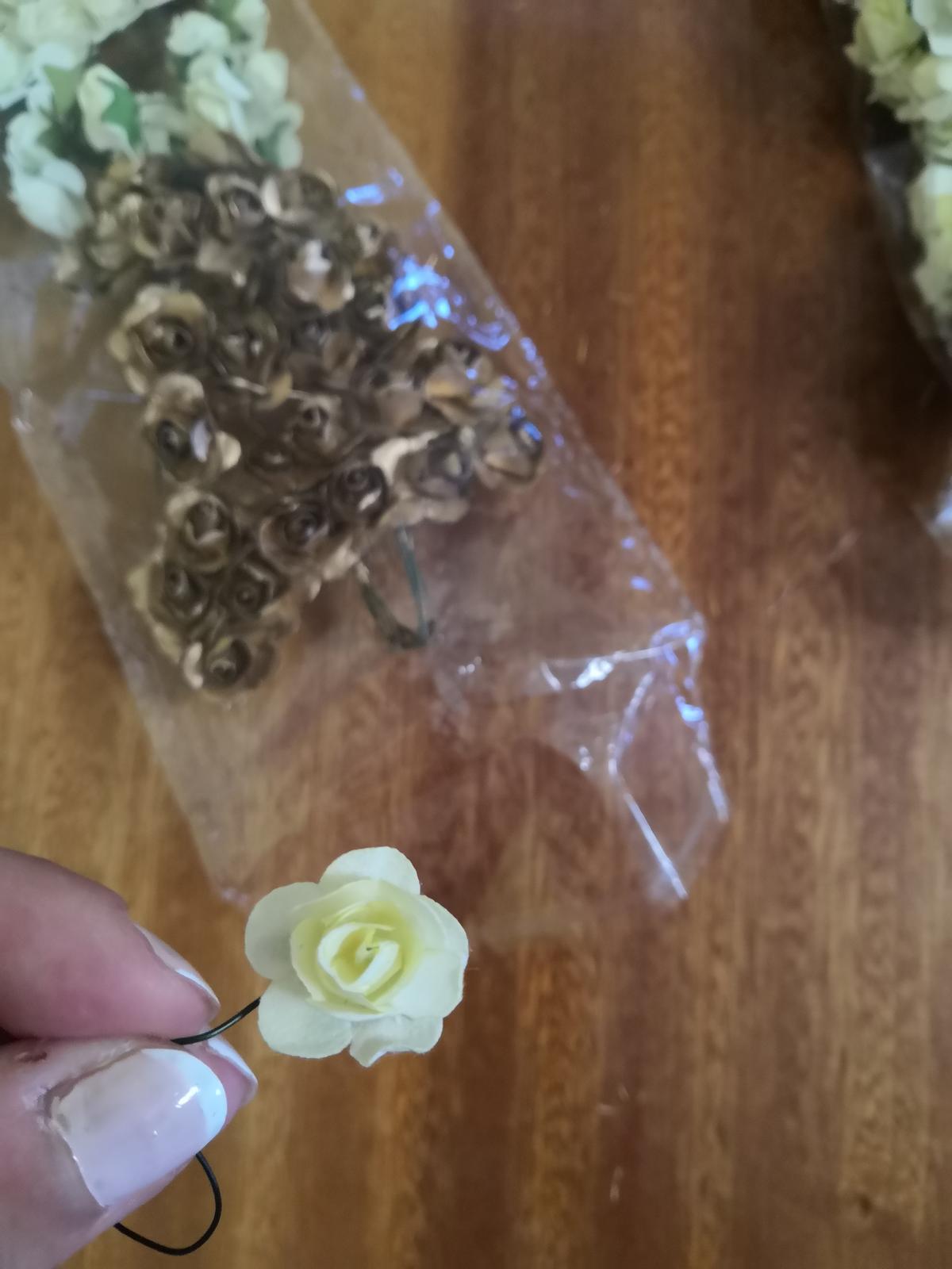 Kvet ivory (mini ružička) - Obrázok č. 1