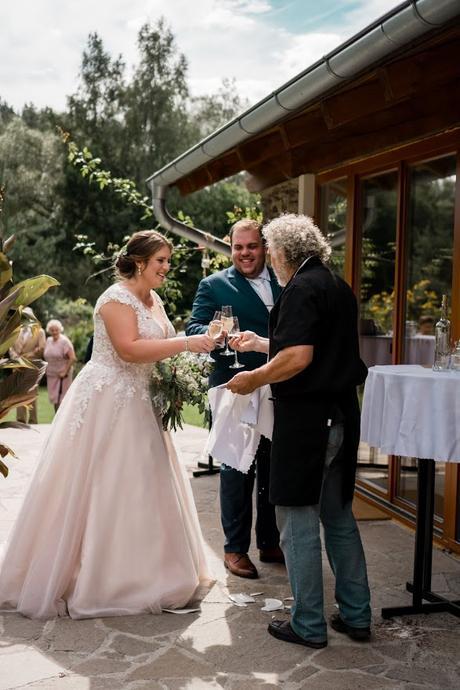 Svatební šaty vel. 44-46 - Obrázek č. 1